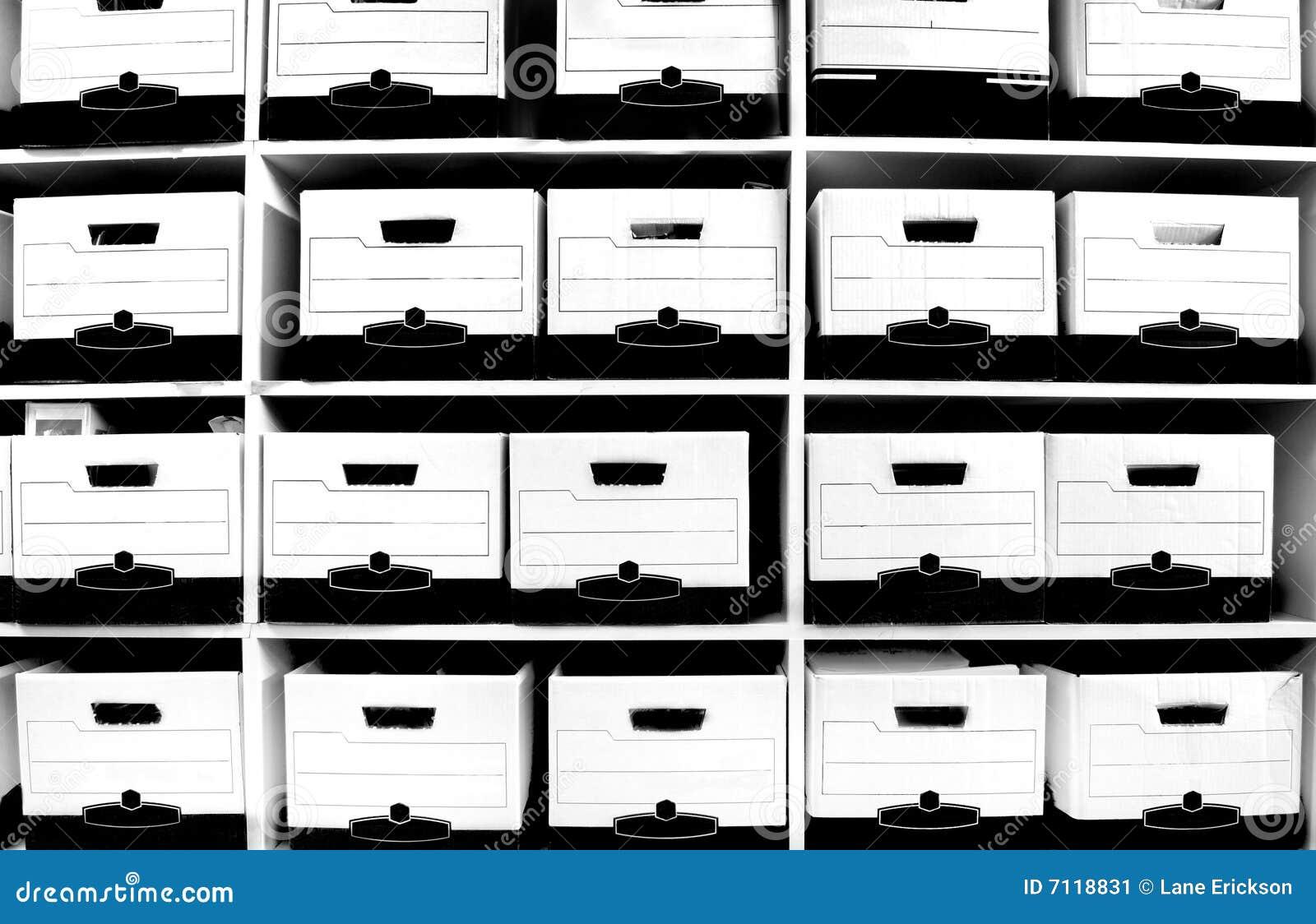 полка архива коробок