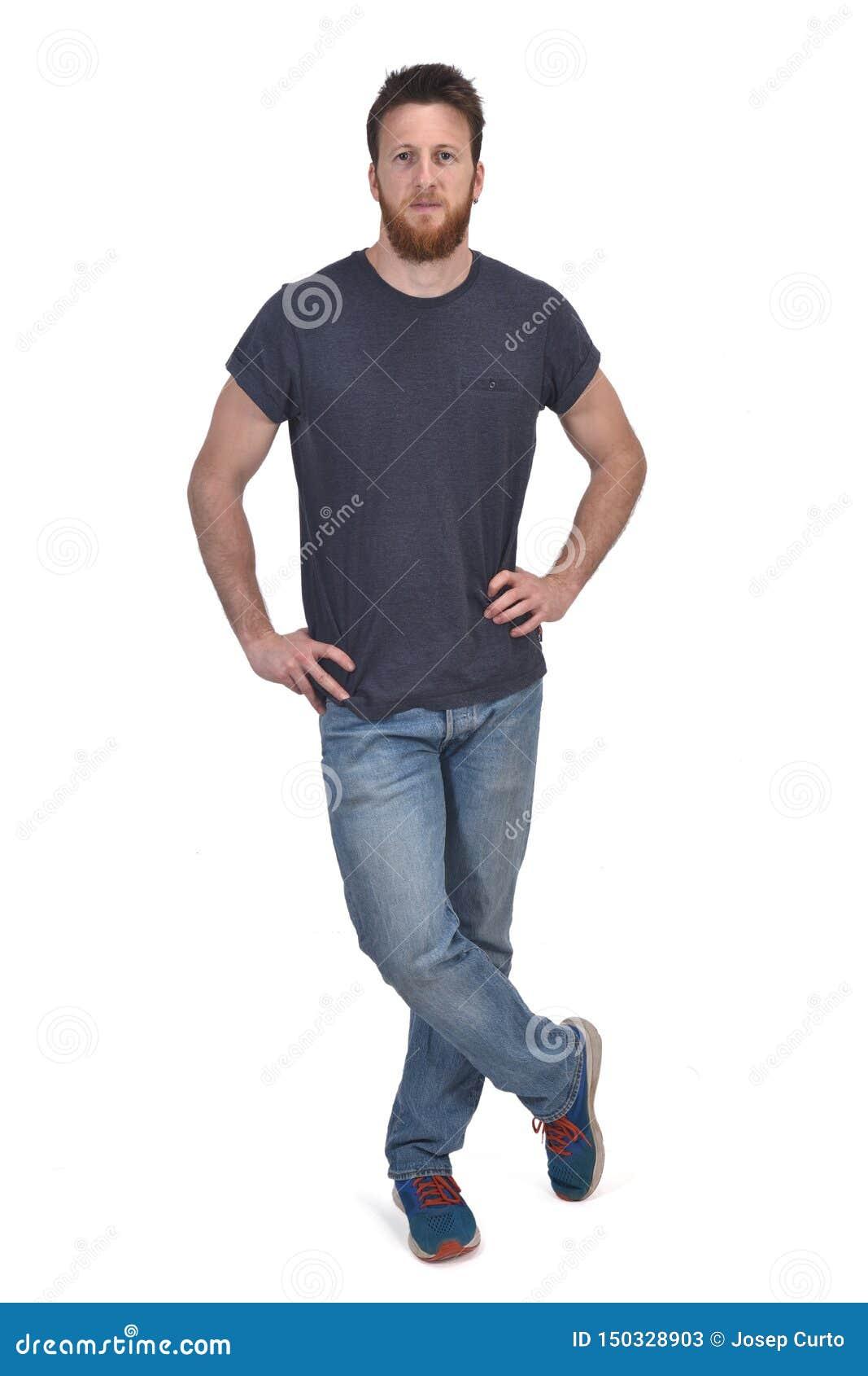 Полный портрет рук человека на талии и ногах пересек
