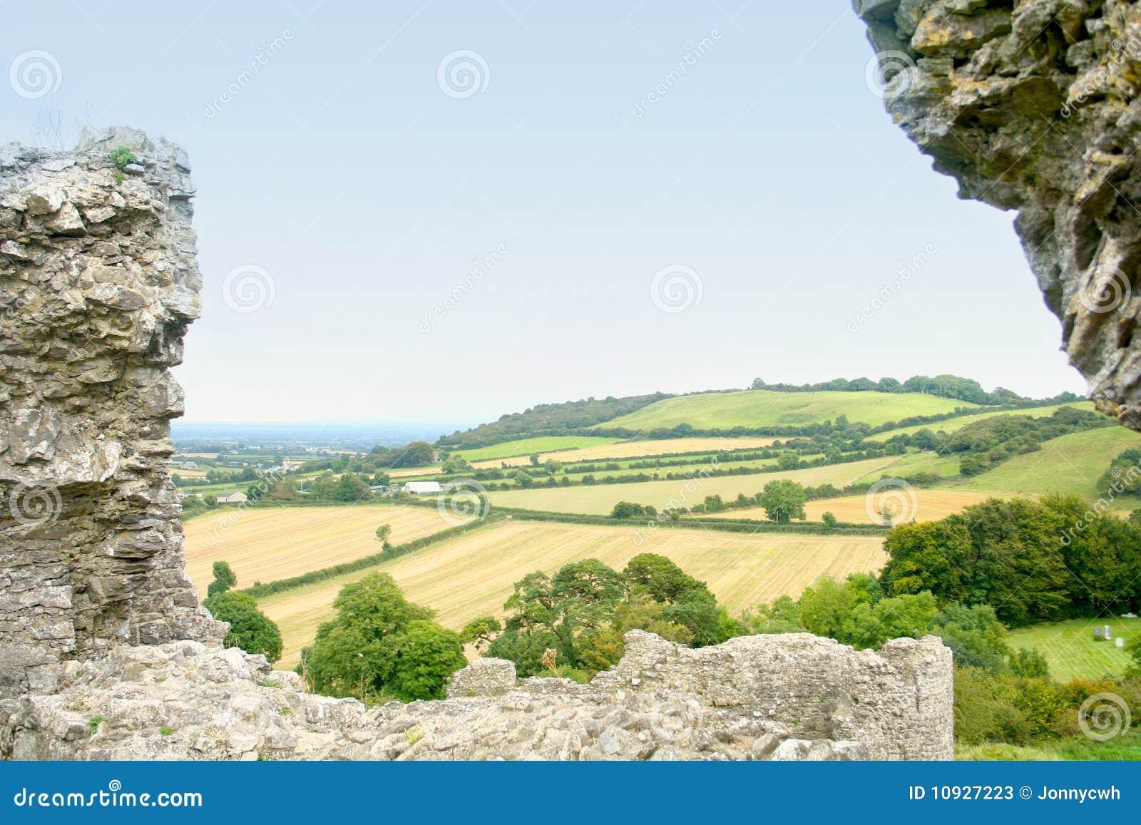 поля зеленая Ирландия