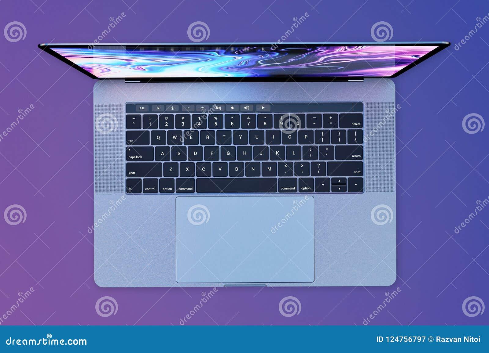 Портативный компьютер стиля 15 дюймов MacBook Pro, взгляд сверху