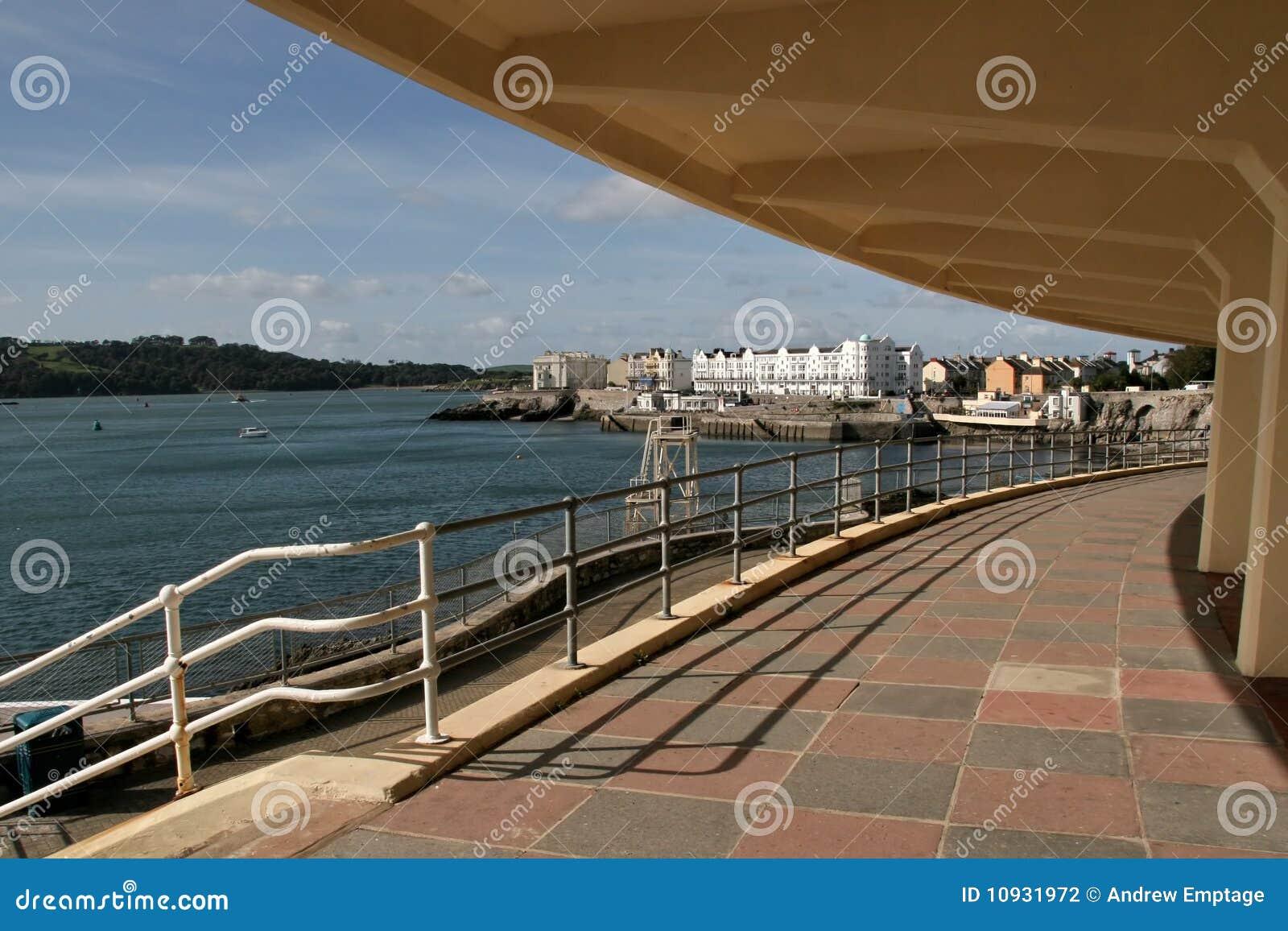 портовый район Англии plymouth