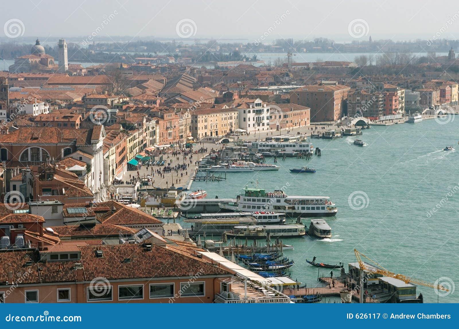 Download портовый район venice стоковое изображение. изображение насчитывающей дел - 626117