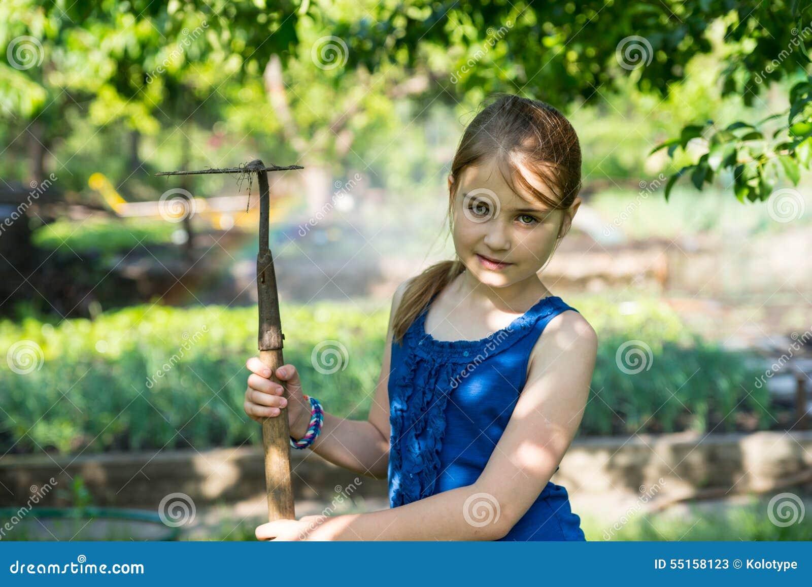 Ххх рус девушки на огороде фото улице для