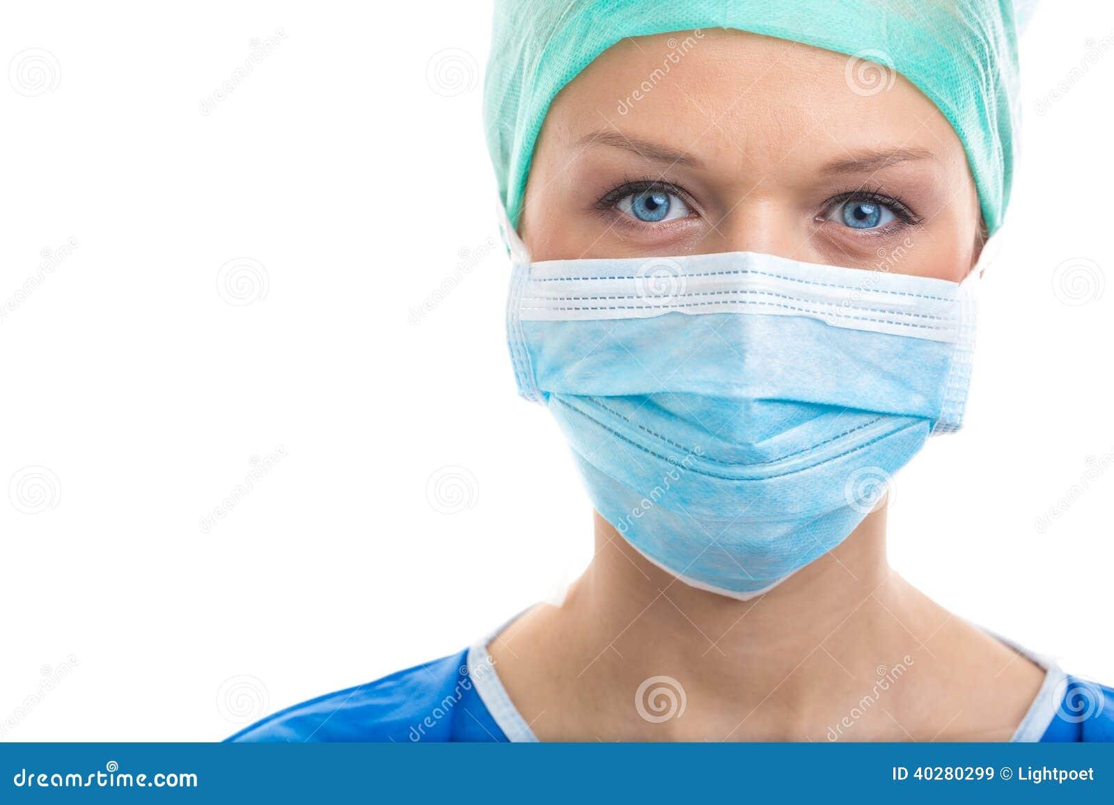 Портрет задумчивого/унылый/вымотал женских доктора/хирурга