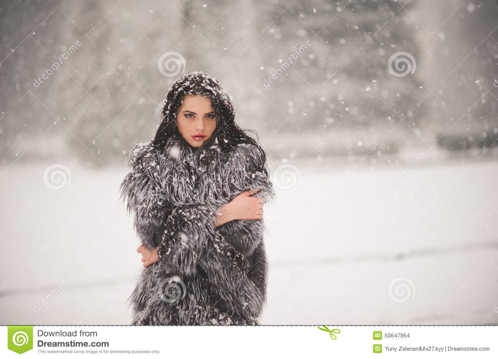 Картинки девушки зимой снег