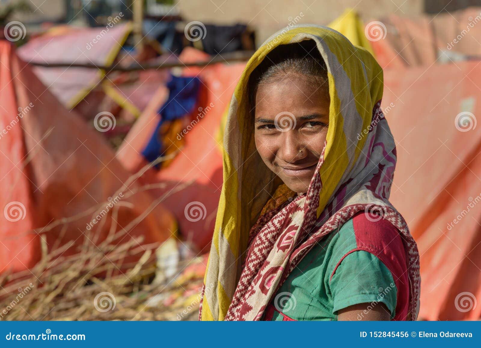 Девушки для работы в индии мария волгоград