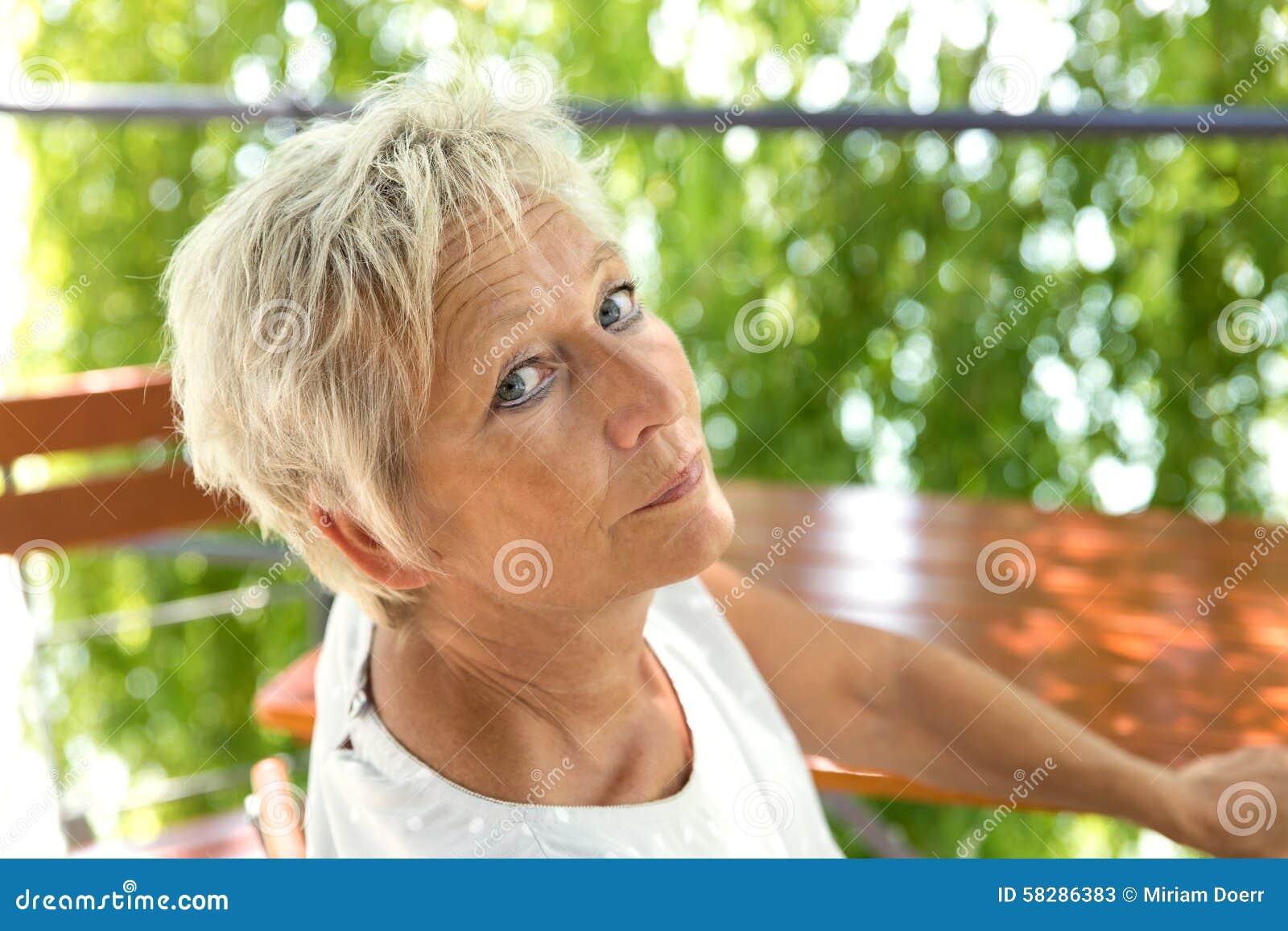 пожилые бабы в конце - 5