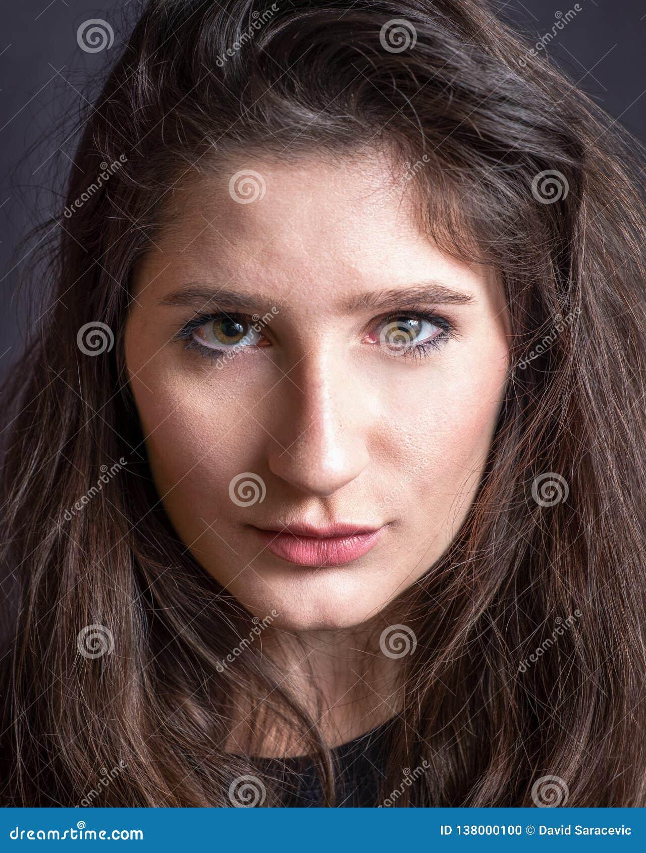 Портрет молодой женщины