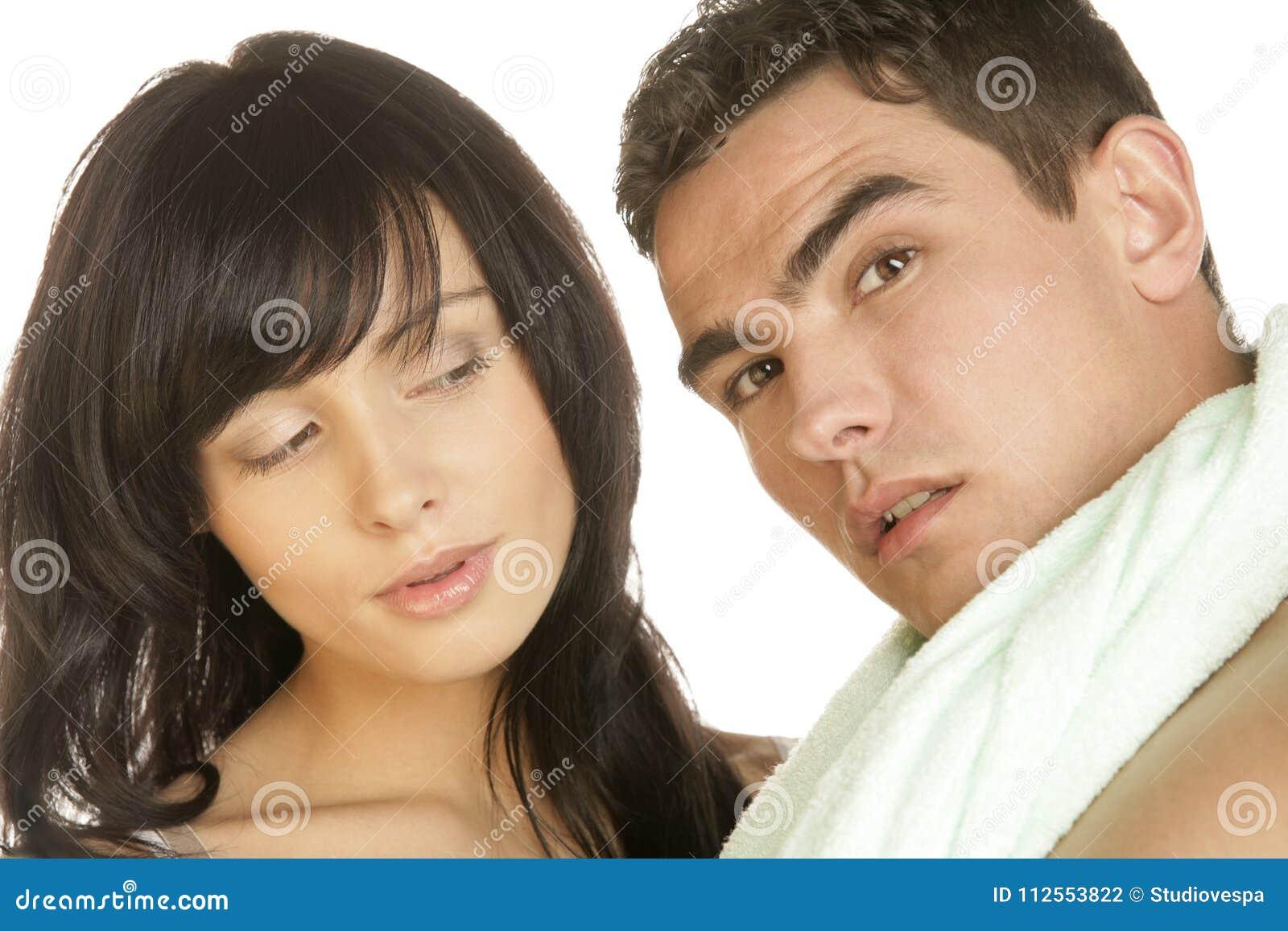 Гинеколог фото молодой пары в ванной трахают большим членом