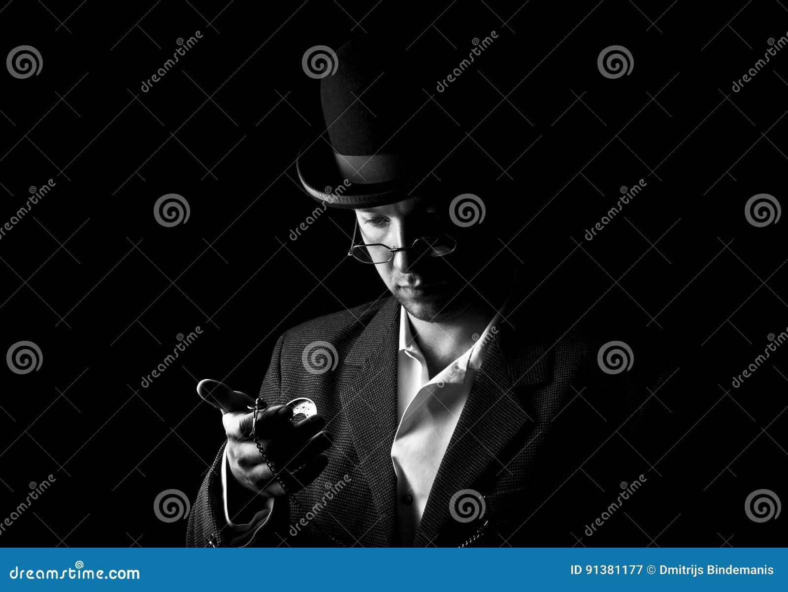 Открытка джентльмен снимает шляпу