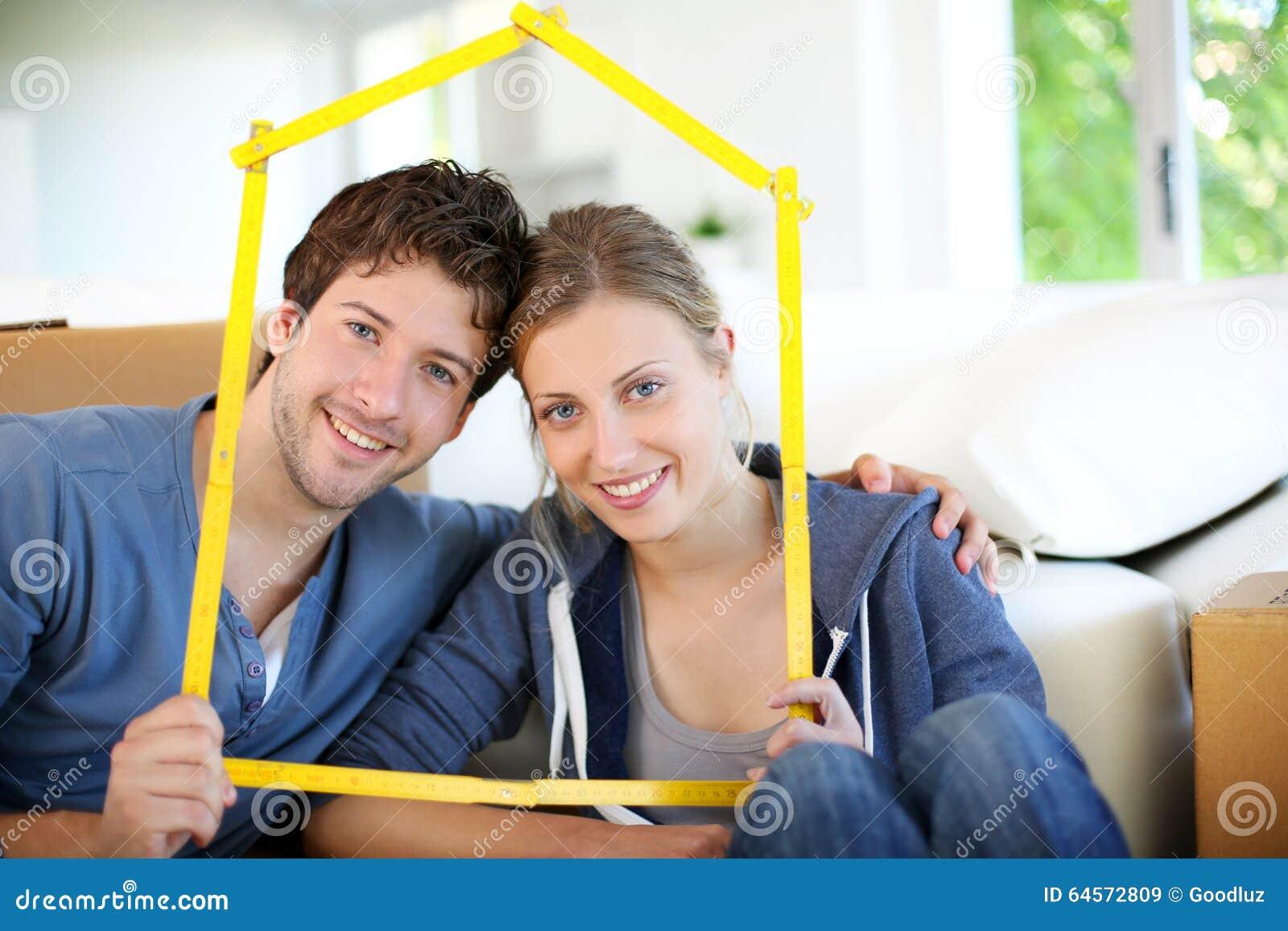 Портрет молодых владельцев недвижимого имущества