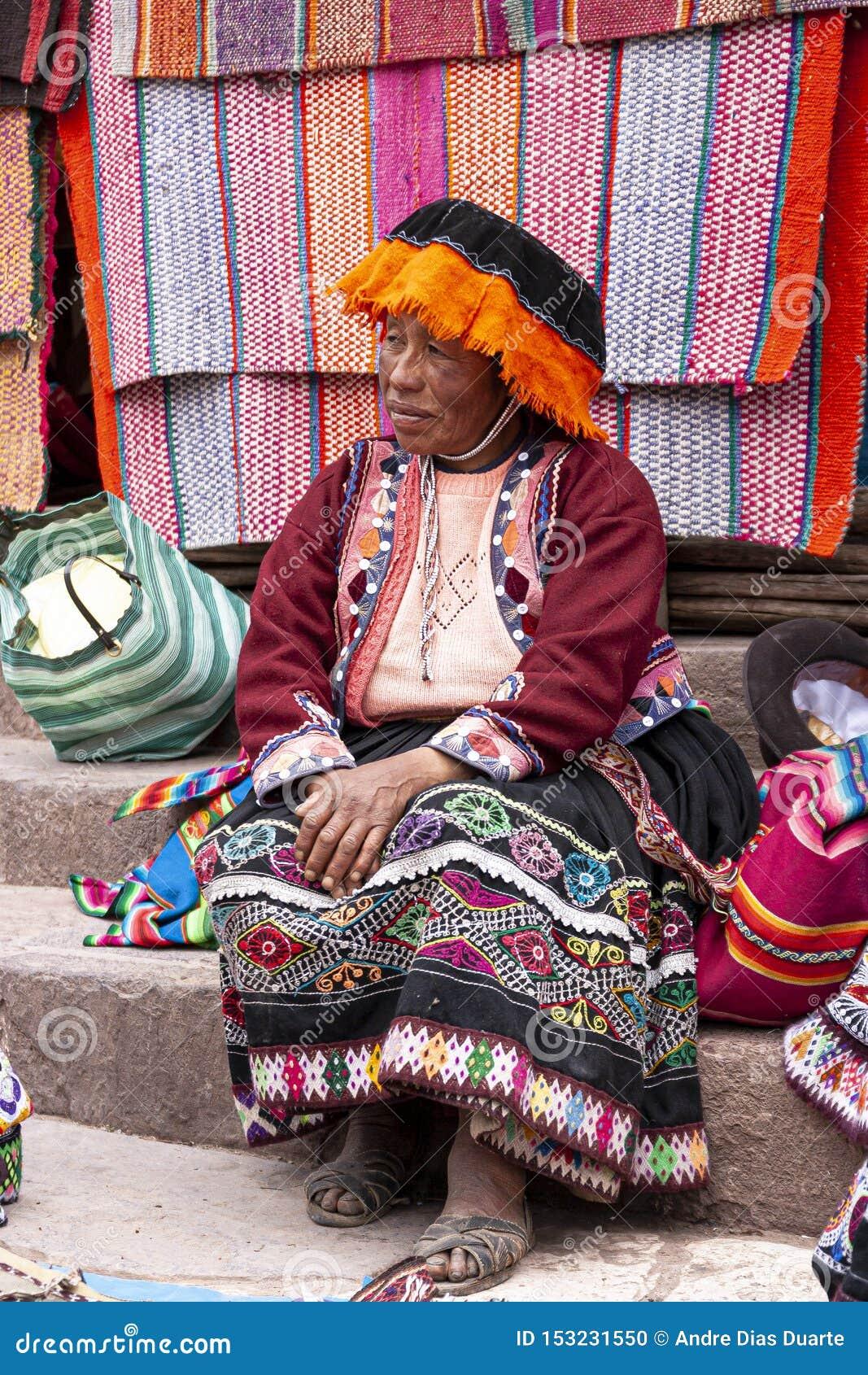 Портрет продавца местного рынка в Urubamba, Перу