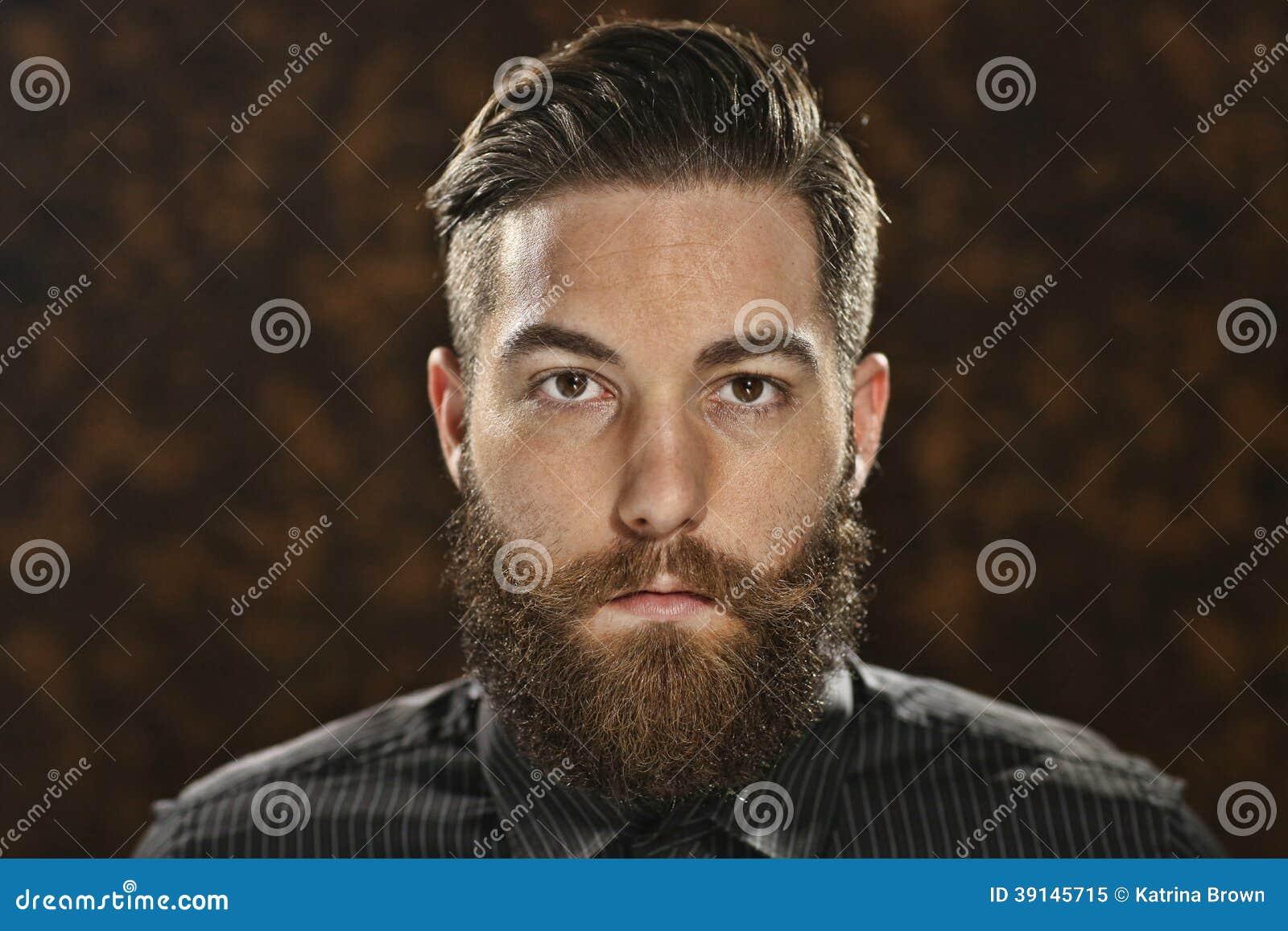 Портрет драматического выразительного человека