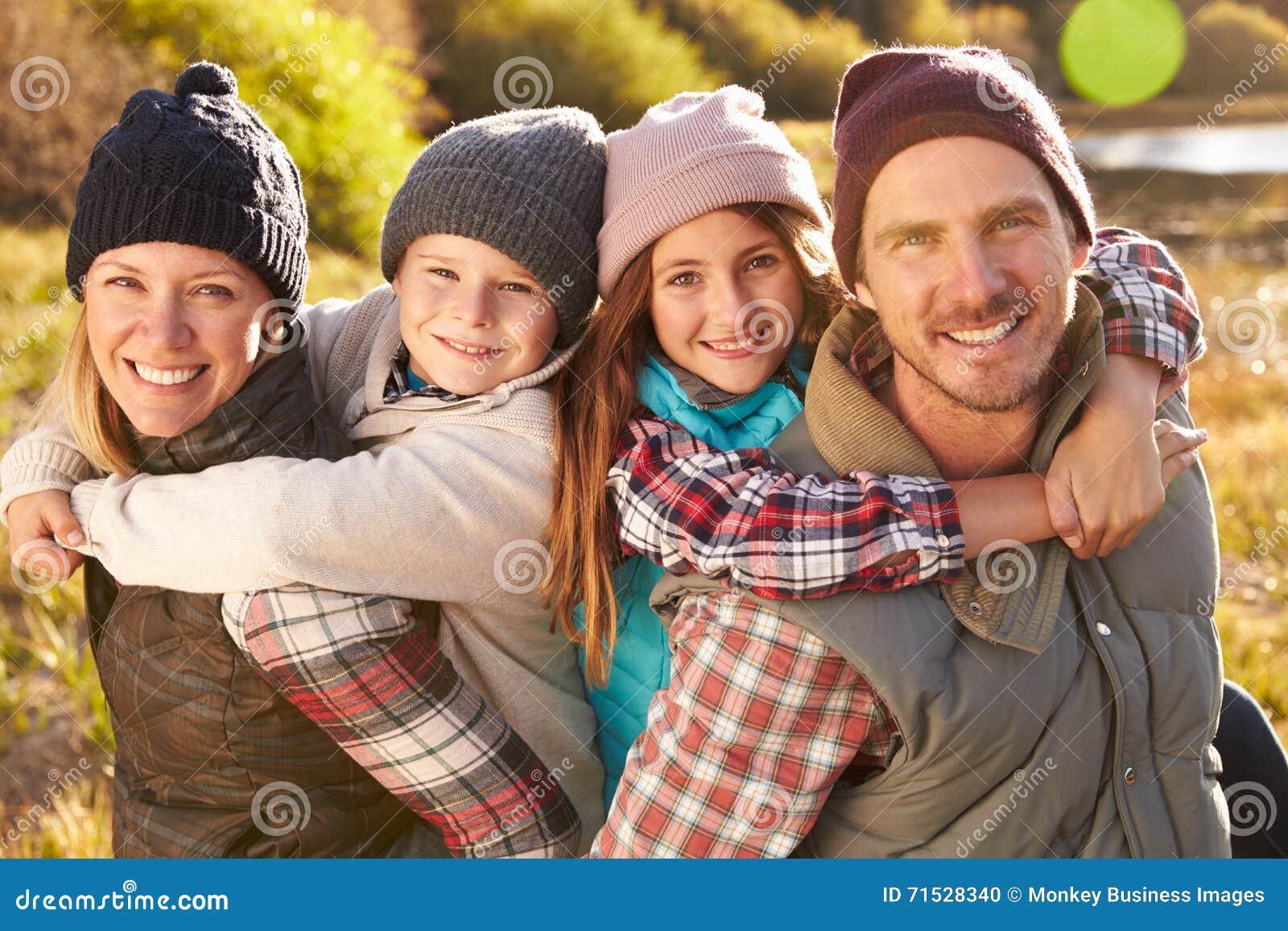 Портрет семьи, озеро блеф, Big Bear, Калифорния, США