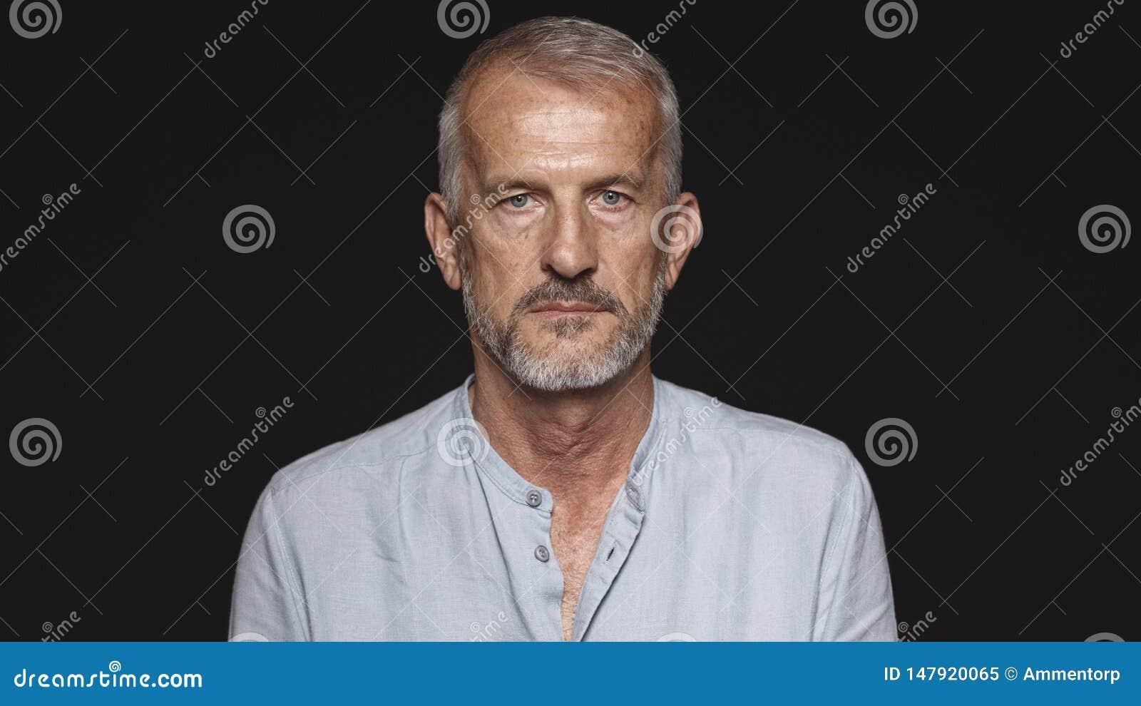 Портрет старшего кавказского человека