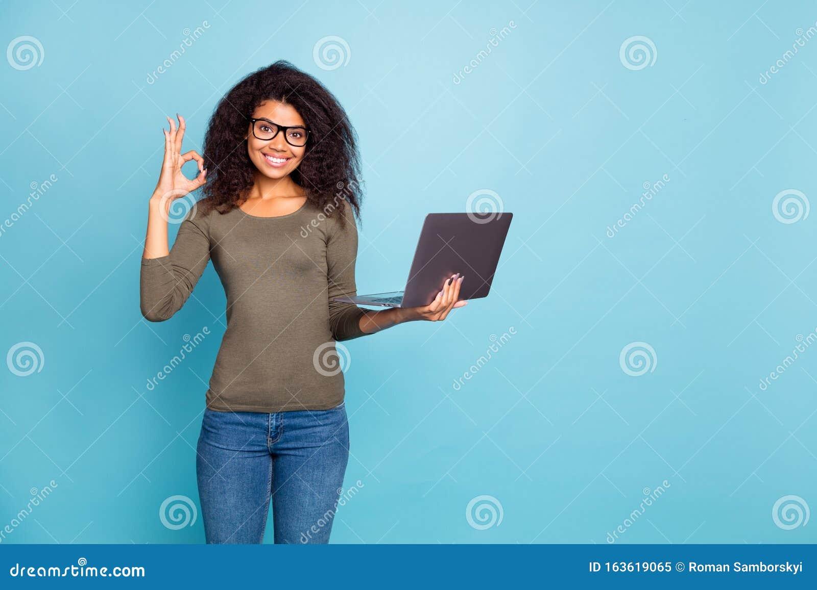 Девушки для рекламы работа юля зайцева