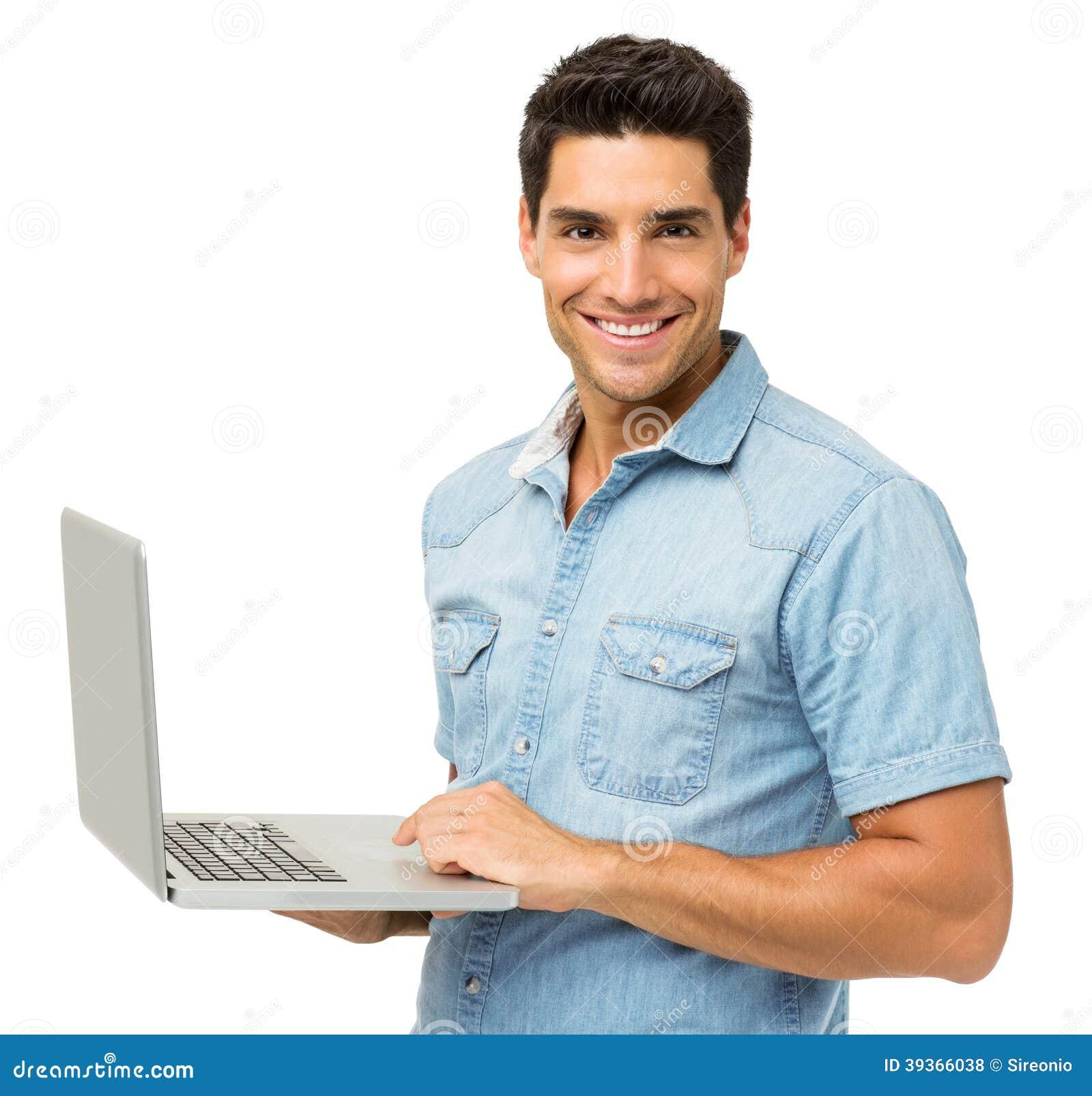 Портрет усмехаясь человека с компьтер-книжкой