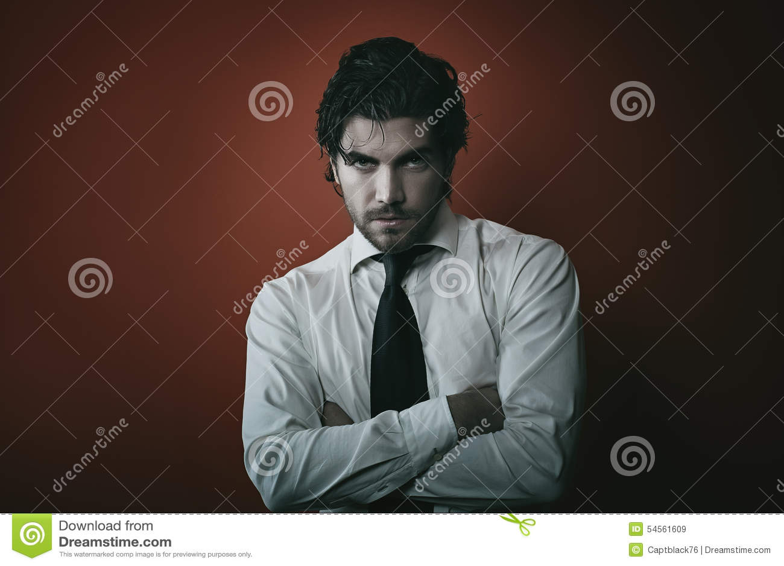 Портрет человека вампира моды с темными тонами