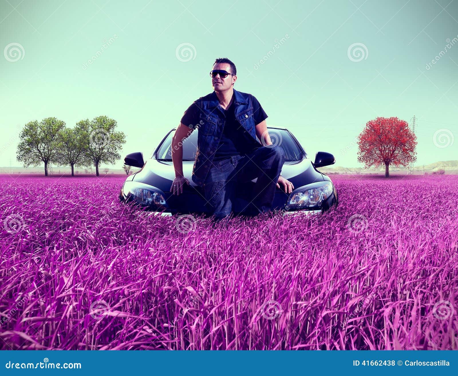 Портрет человека и его автомобиль