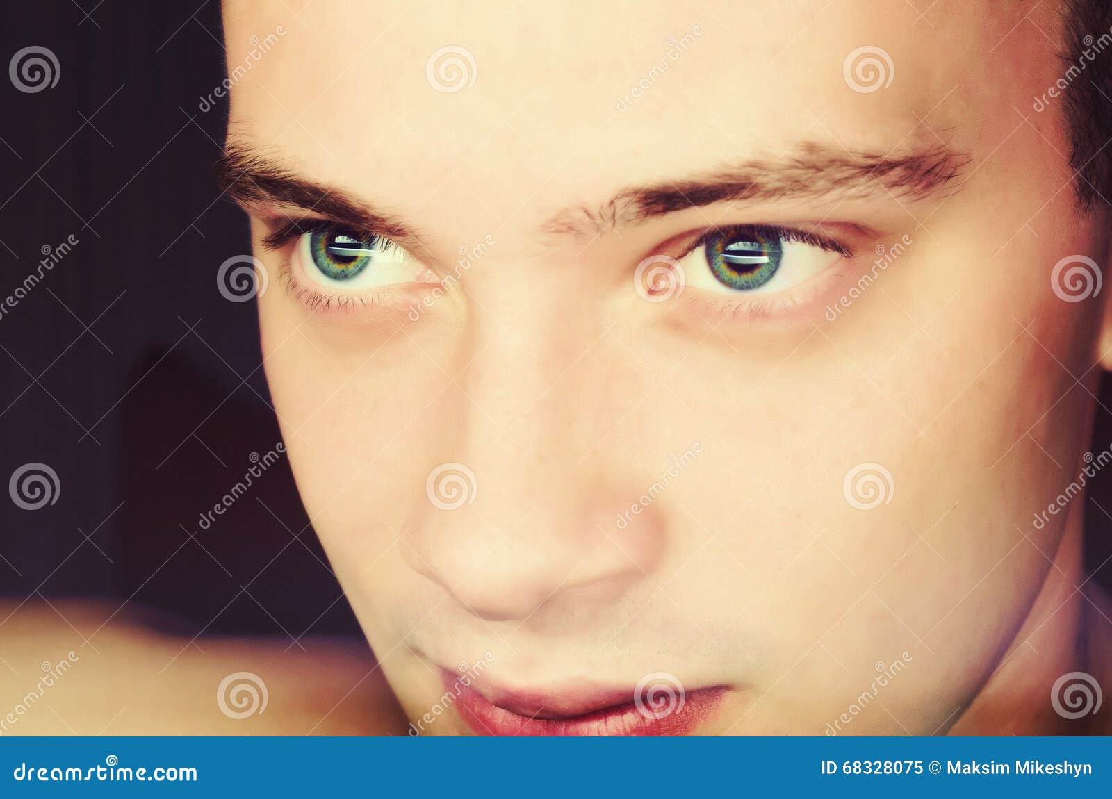 Портрет человека с выразительным
