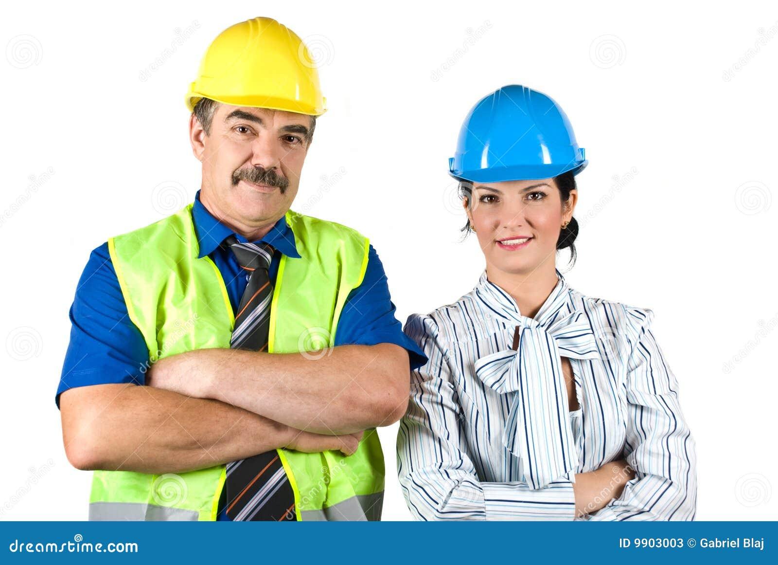 Портрет 2 архитекторов объениняется в команду с трудным шлемом