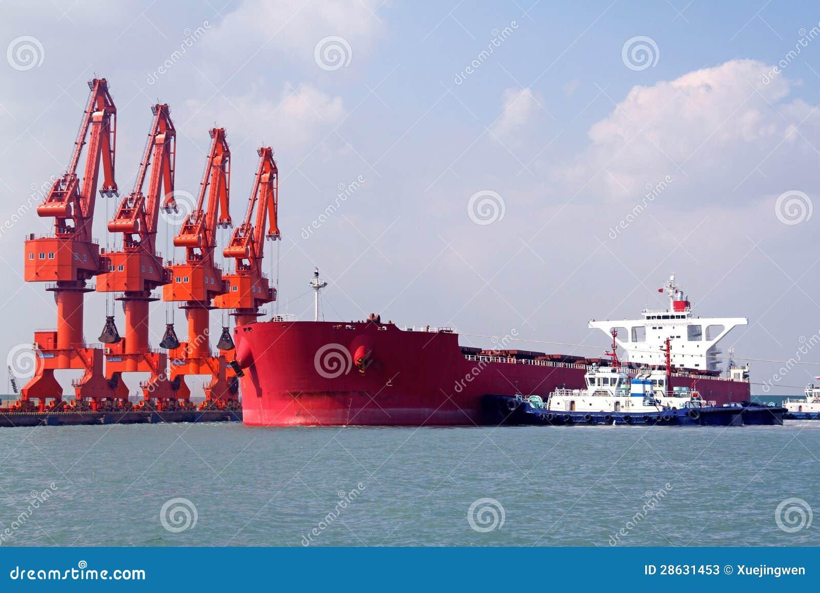 Порт Qingdao, Китай стержень железной руд руды 20 тонн