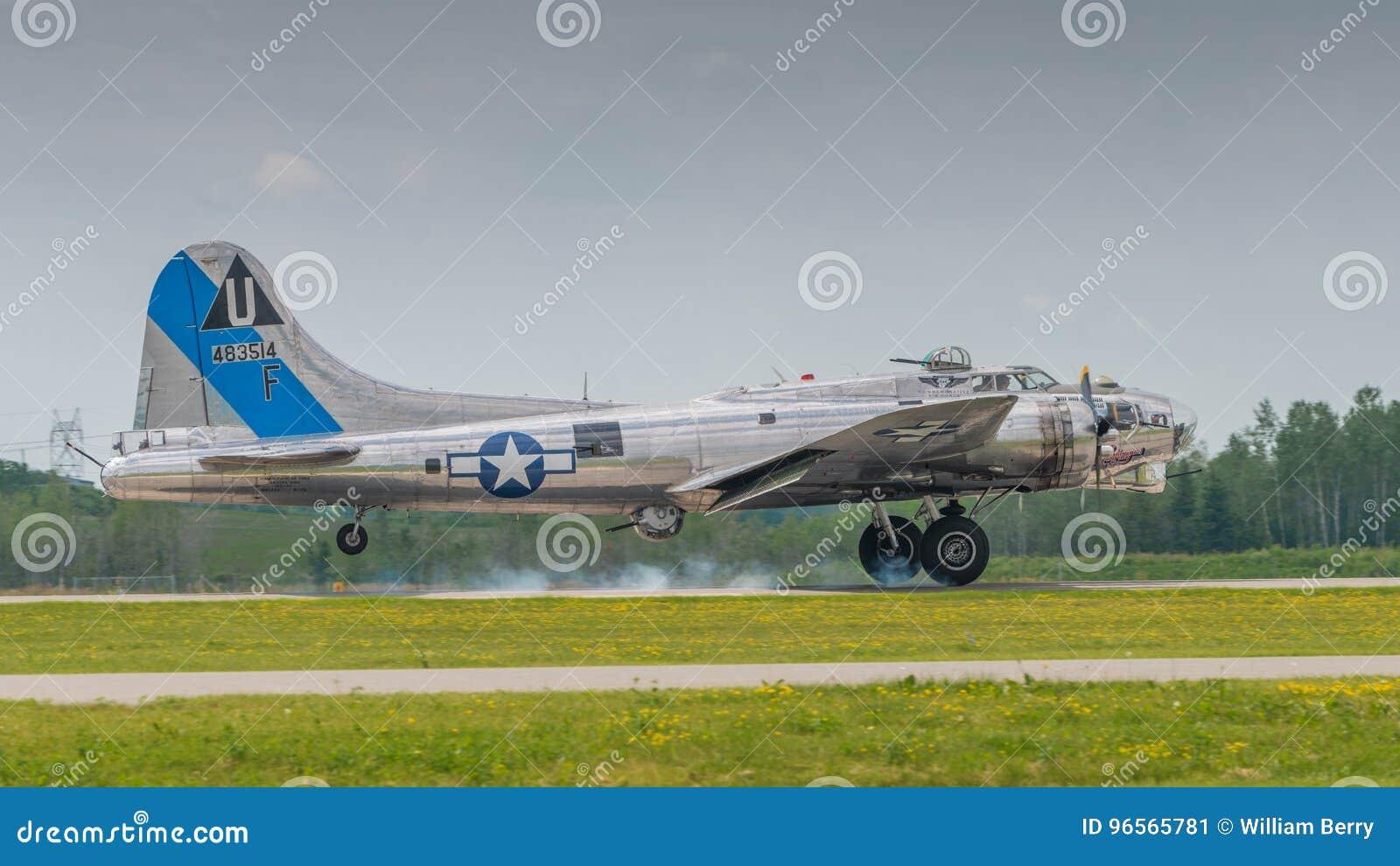 Посадка бомбардировщика B-17