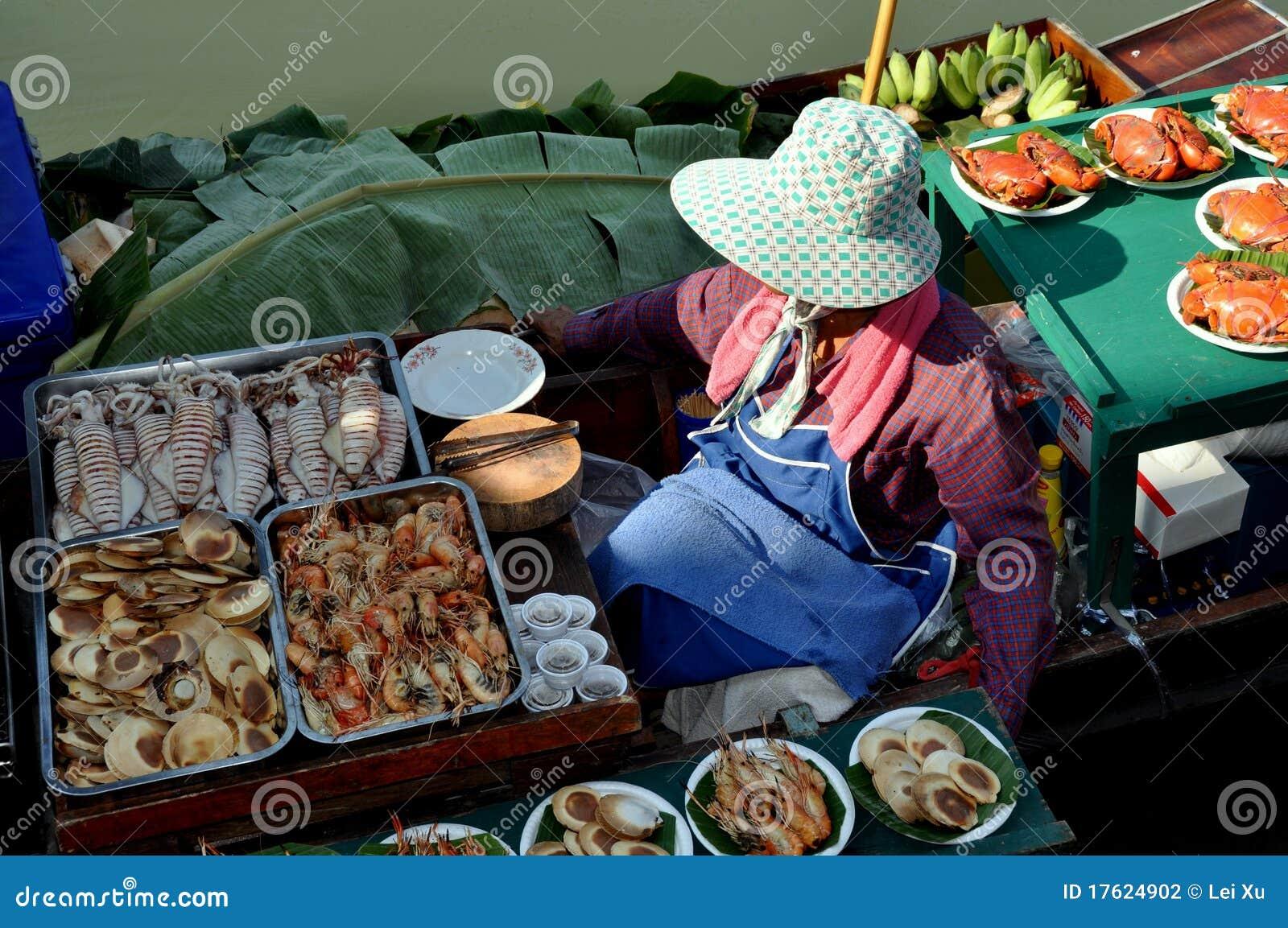 поставщик Таиланда рынка еды amphawa плавая