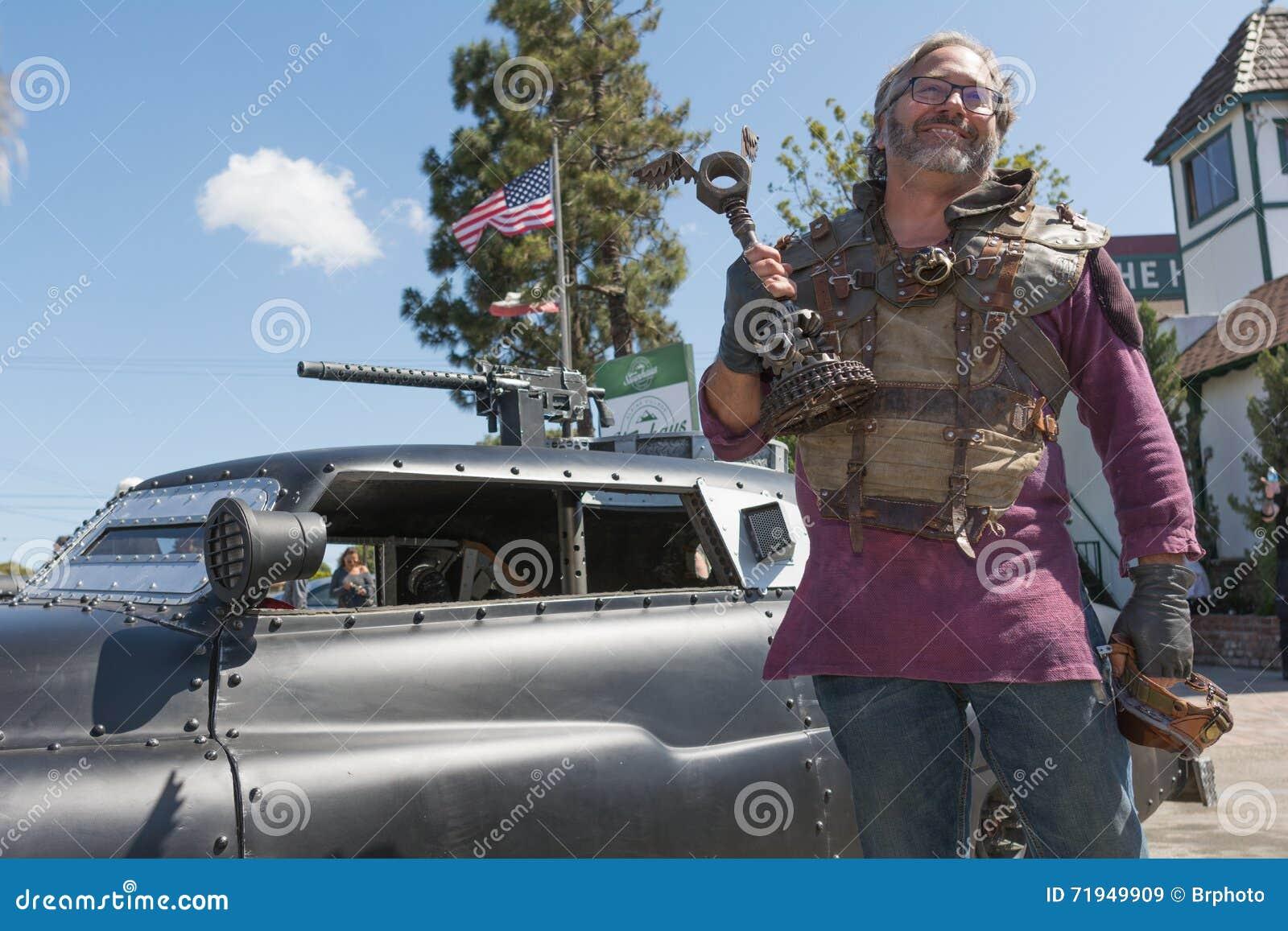 Пост-апоралипсический человек костюма выживания