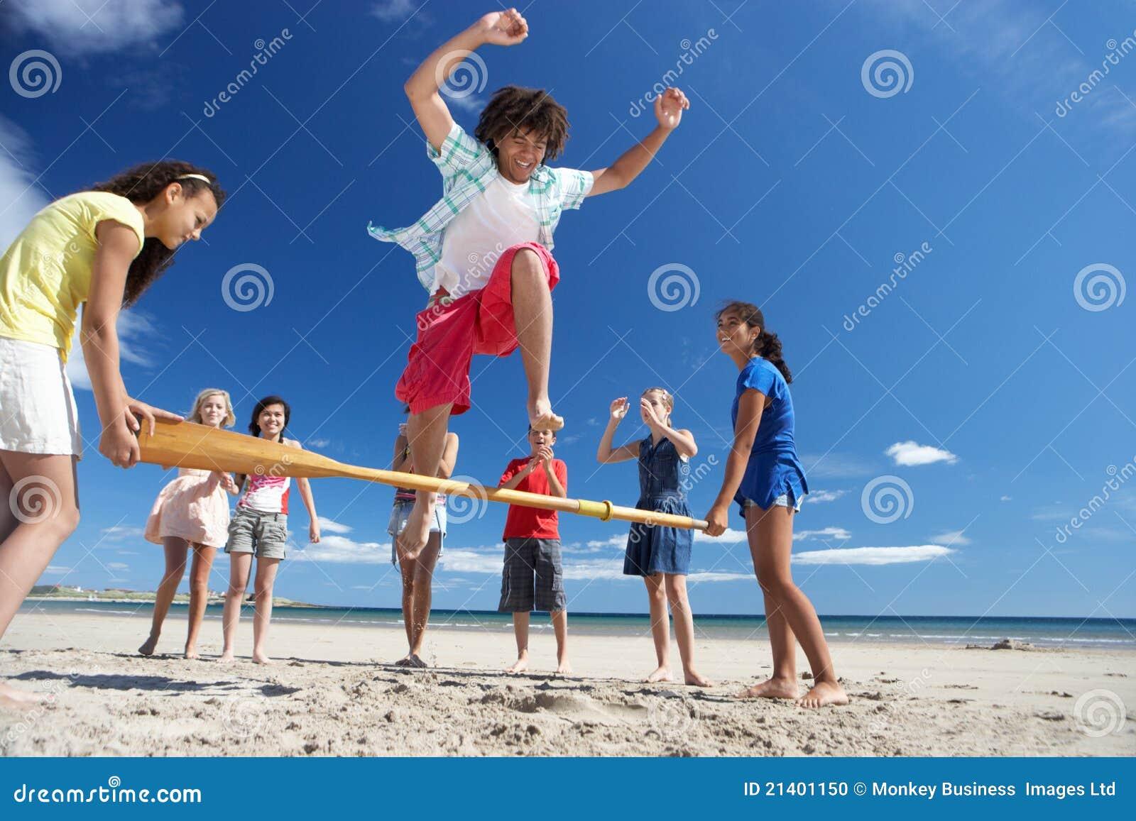 потеха пляжа имея подростки