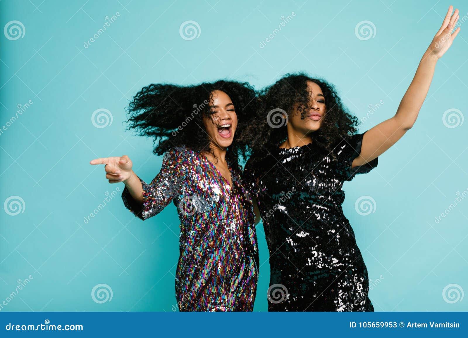 потеха счастливая имеющ 2 женщин