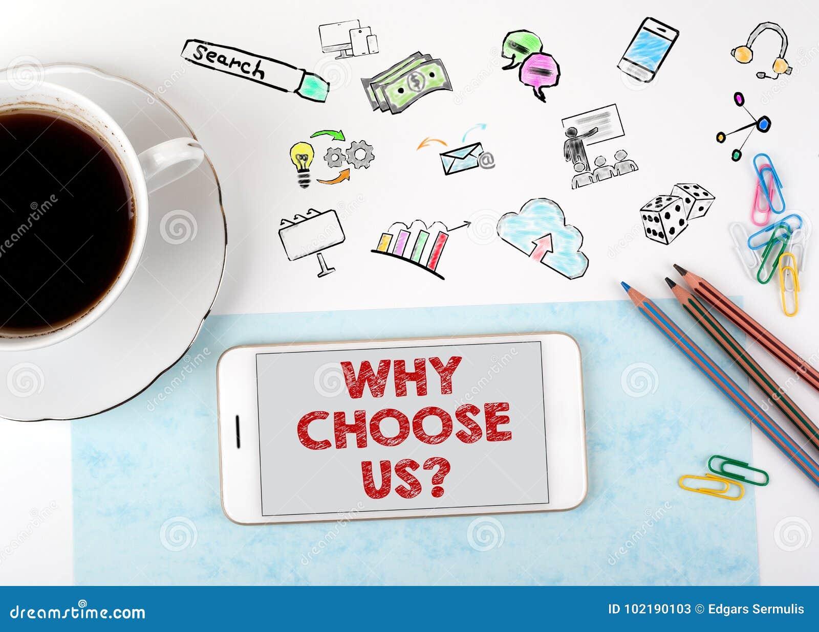 Почему выберите нас Мобильный телефон и кофейная чашка на белом столе офиса