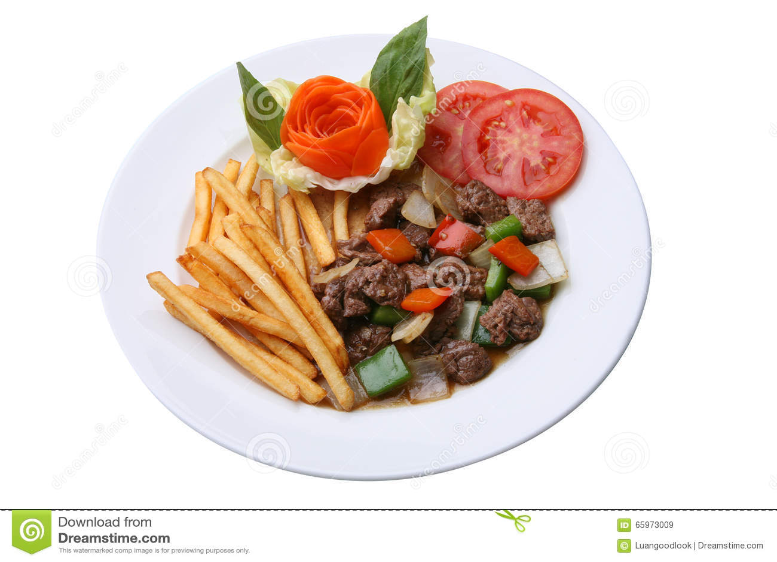 Пошевелите зажаренную говядину с черным перцем и французскими frieds