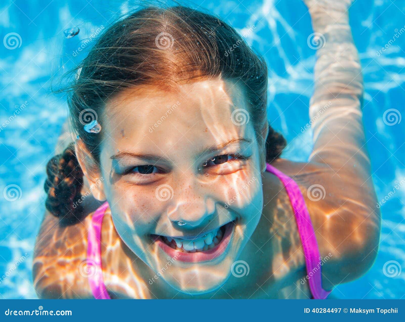 Подводная девушка