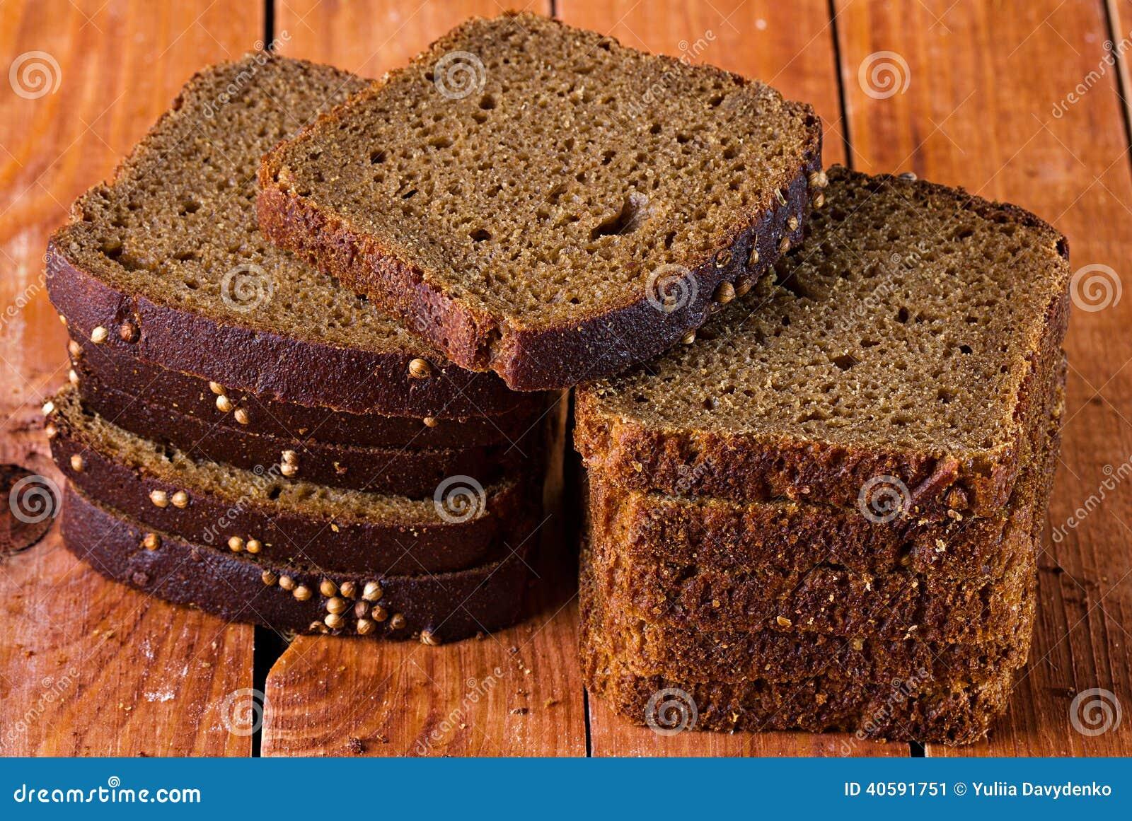 поднимающее вверх хлеба близкое