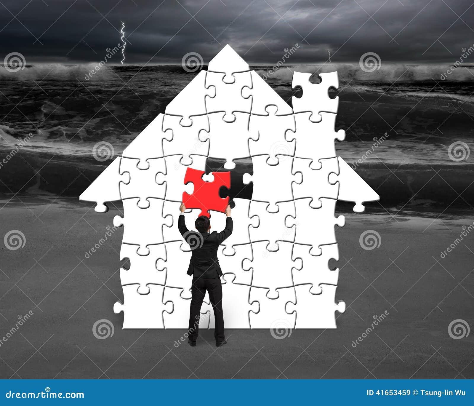 Положите красную головоломку в форму дома для плохой ситуации