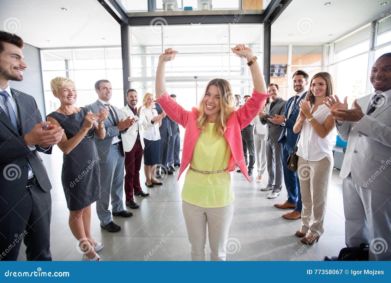 Положительный уверенно работодатель поздравлениям руководителя