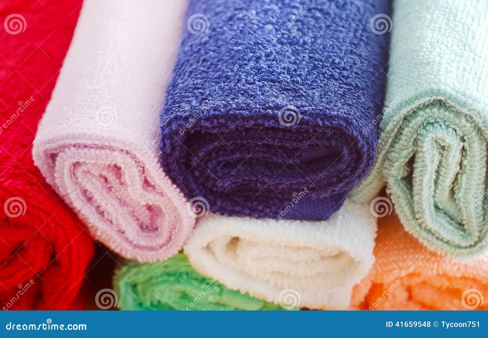 Полотенца цвета