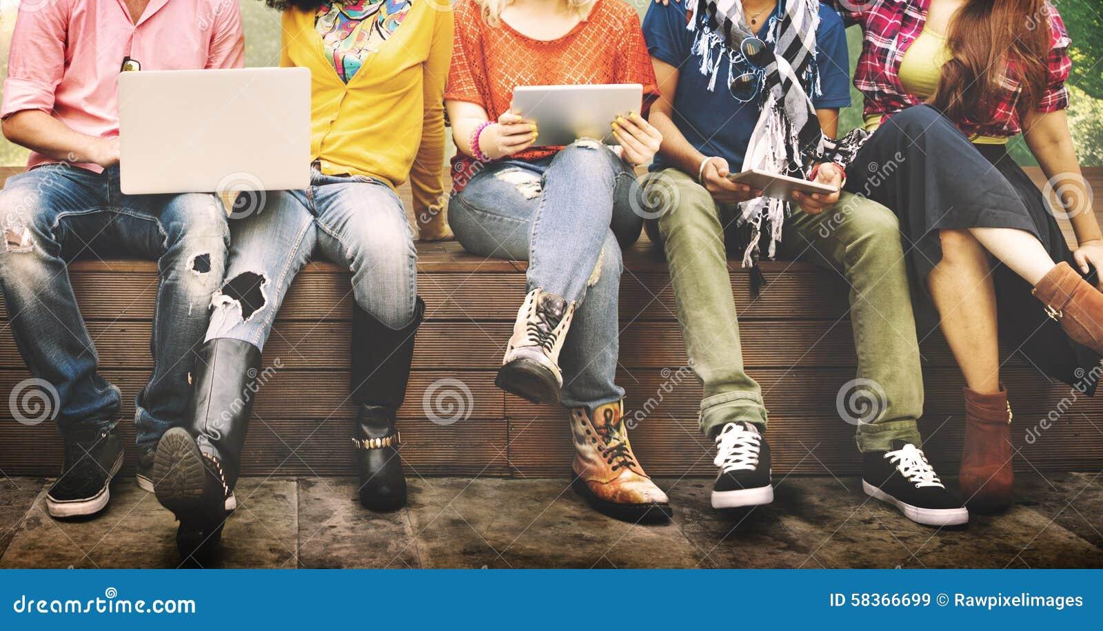 Подростков молодая команды концепция совместно жизнерадостная