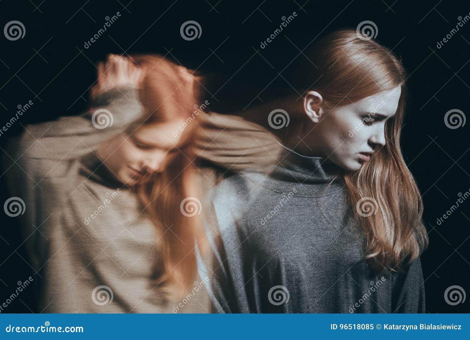 Подросток с душевной болезнью