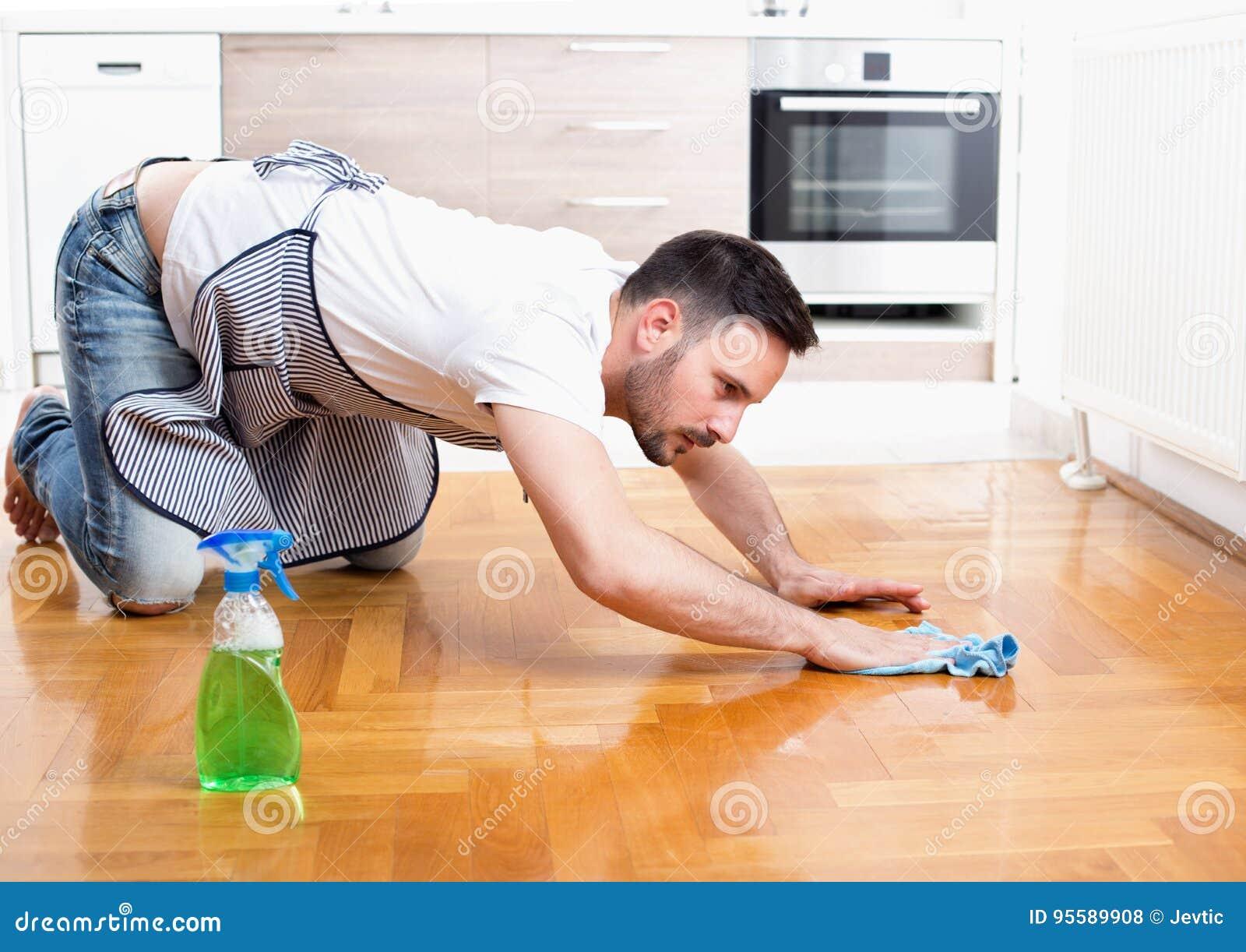 Пол чистки человека