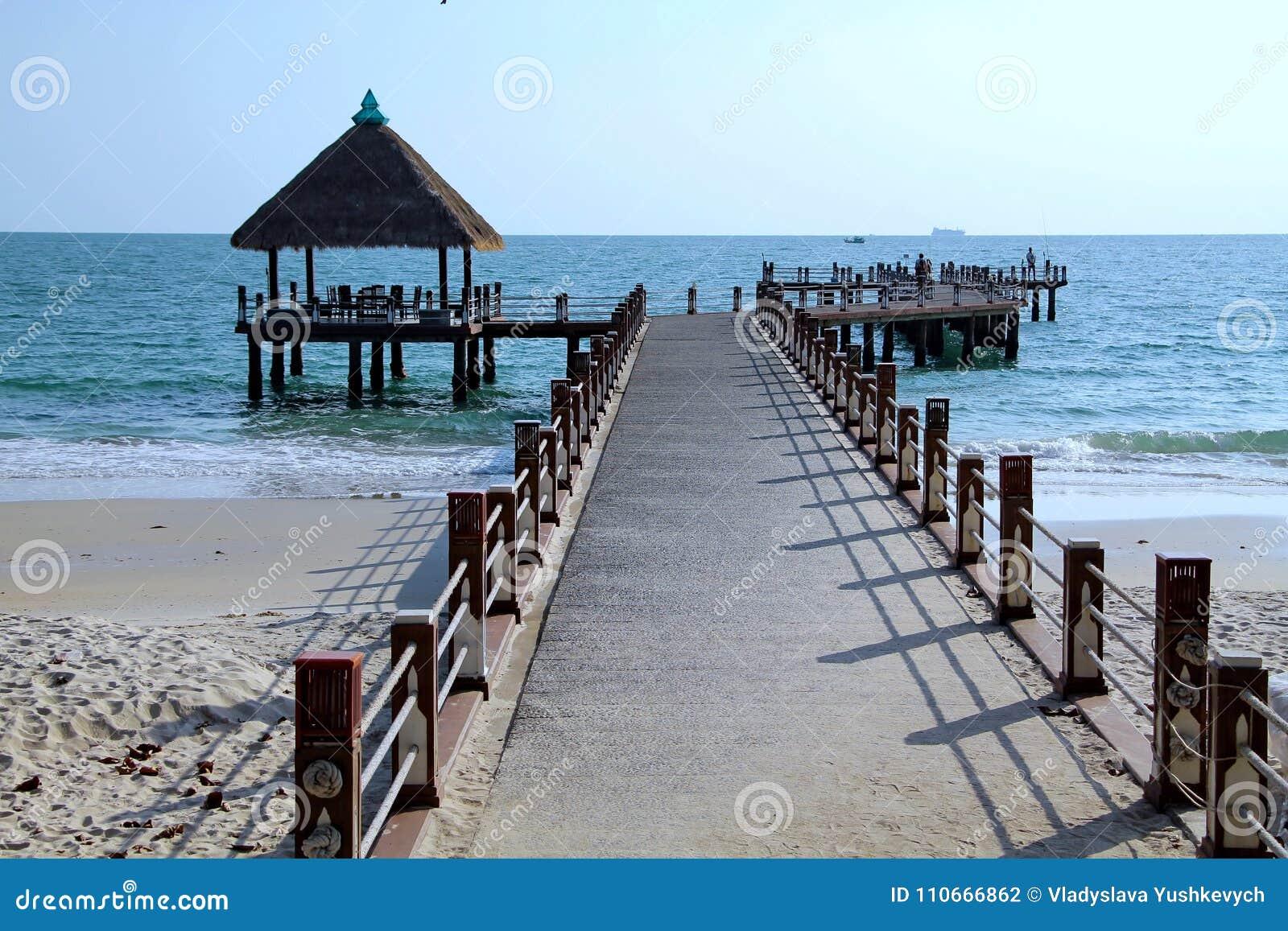 Праздники в Камбодже красивый вид от пляжа Внушительный мир перемещения Остатки лета