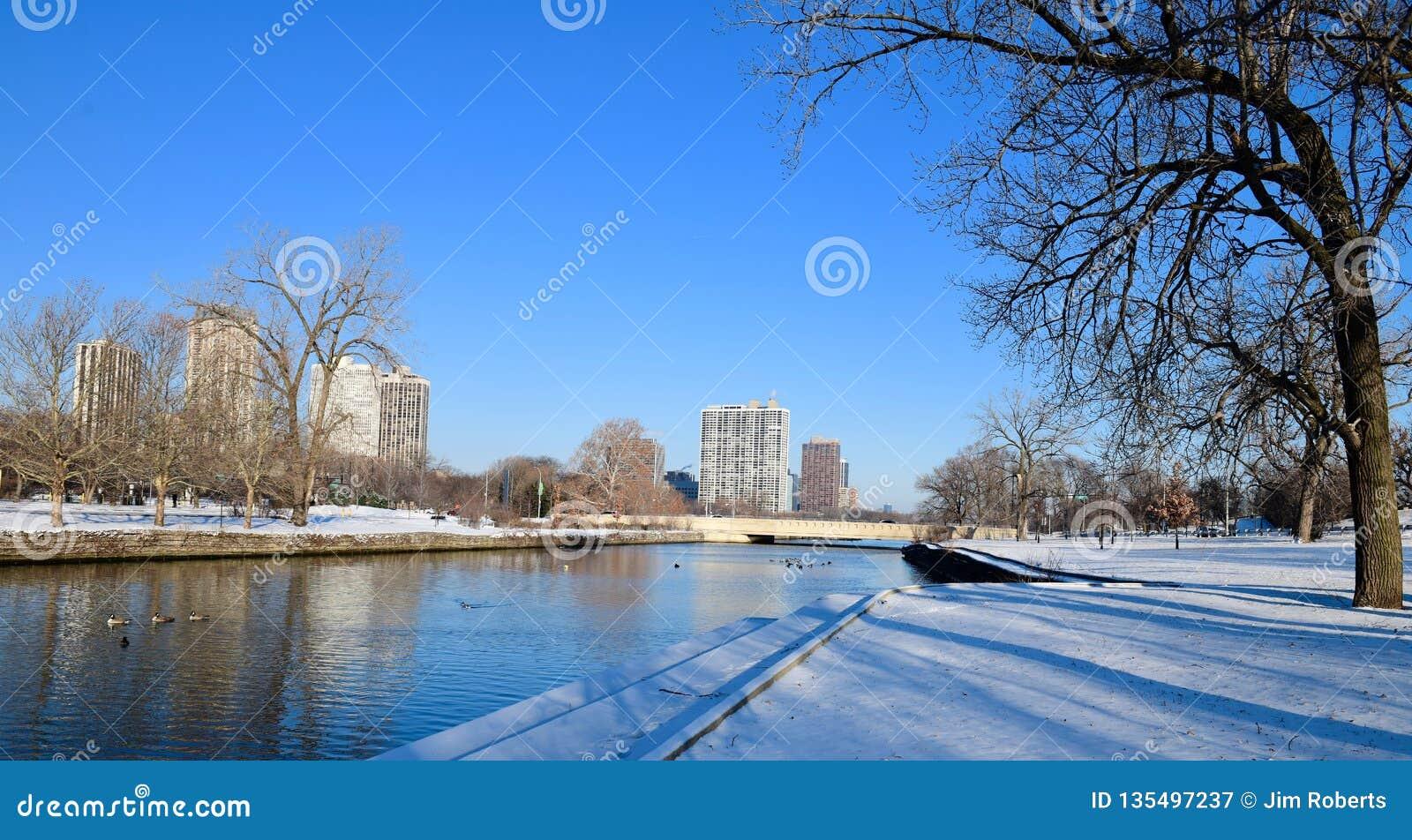 праздники праздника удерживания карточки предпосылки счастливые читают зиму снеговика красного знака места идя снег