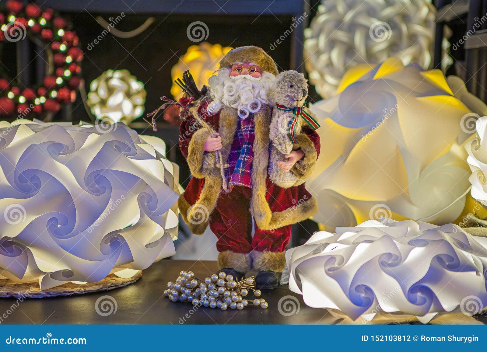 Праздничный Санта Клаус, дает утеху
