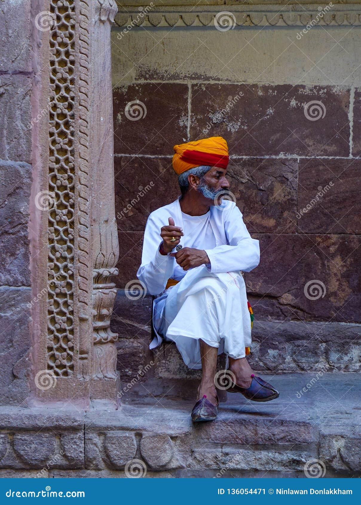 Предохранитель в традиционном костюме старого форта