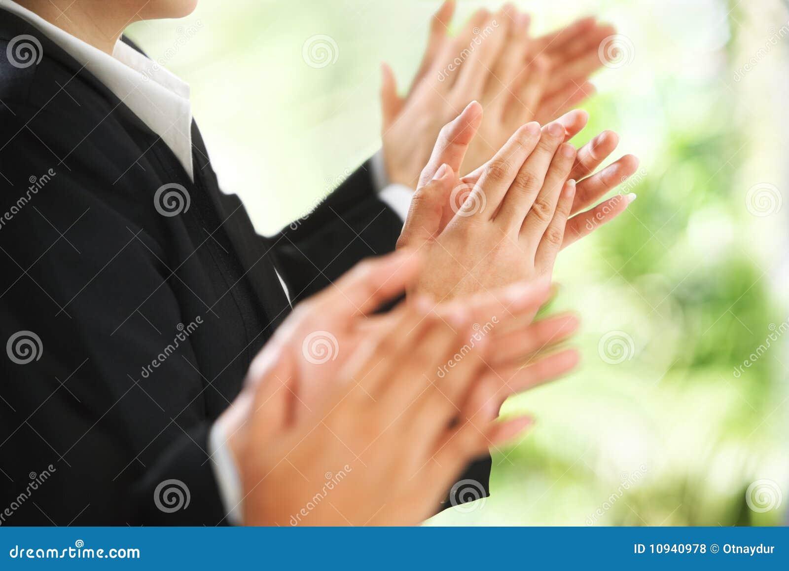 предпосылка рукоплескания давая зеленый цвет сверх