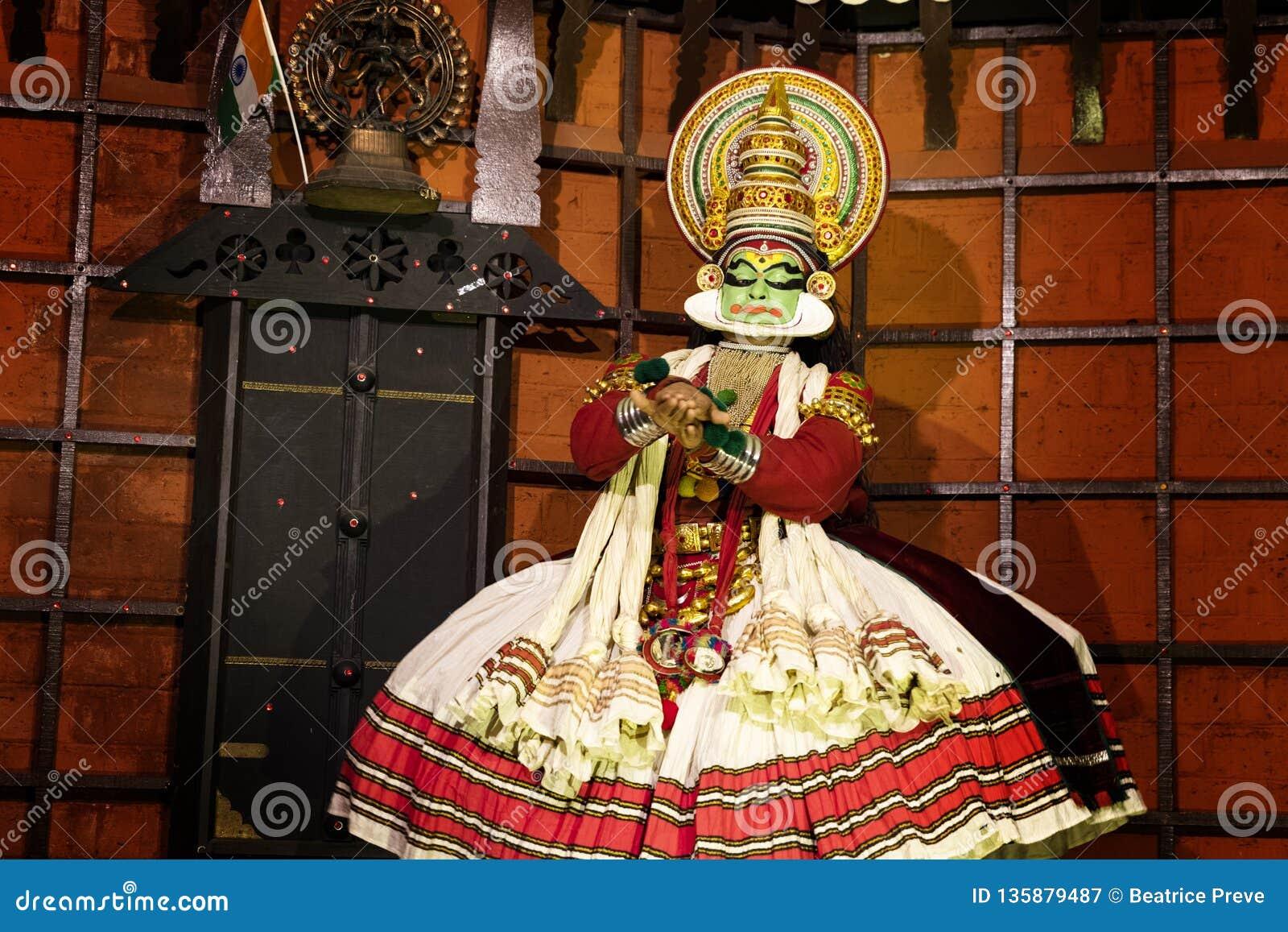 Представление танца Kathakali в Керале