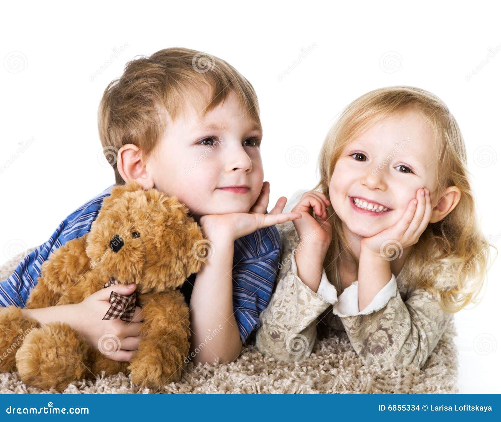 прелестно пары детей