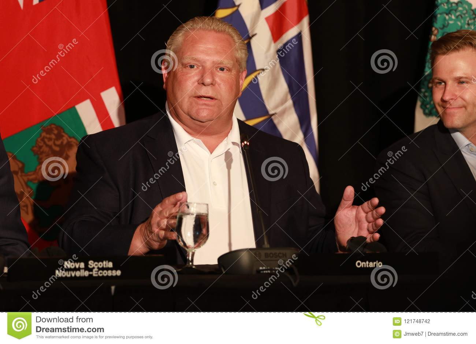 Премьер-министр Doug Форд Онтарио
