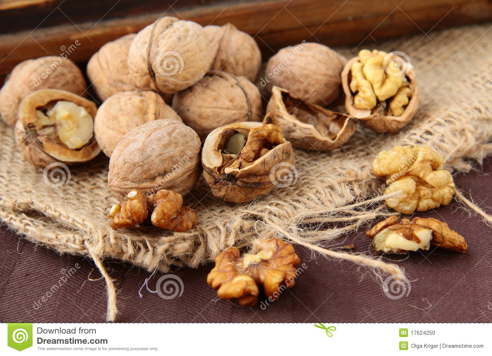 прерванные грецкие орехи все